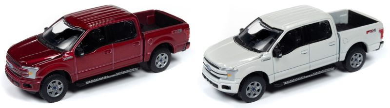 Auto World – 1:64 – 2018 Ford F-150 (Ruby Red Metallic) / Auto World – 1:64 – 2018 Ford F-150 (White Platinum)